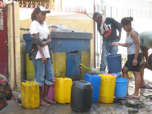 Les bornes d'eau potable PAYANTE